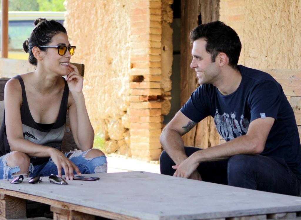 Fotografía de Alejandra y Stefano, socios fundadores de Garage Bar de vinos naturales y creadores de la feria Vella Terra